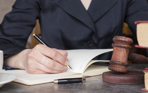 Les compétences d'un avocat en droit administratif