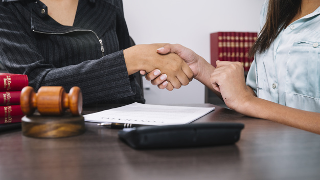 Le licenciement avec un avocat