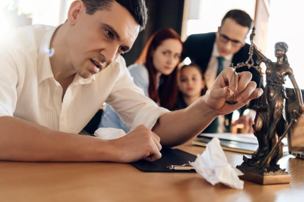 Les principales étapes d'un divorce à la cour