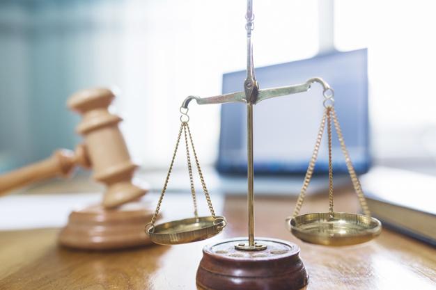 Qu'est-ce qui caractérise le droit administratif ?